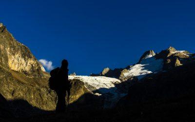 Ammiriamo la montagna e le sue ombre