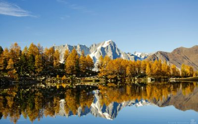 Les Grandes Jorasses dal Lago d'Arpy in autunno