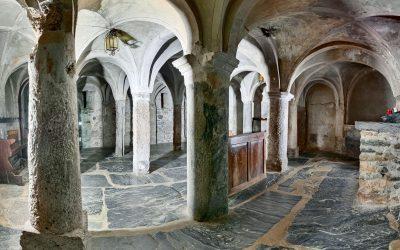 Architettura alpina: nella cripta di Sant'Orso