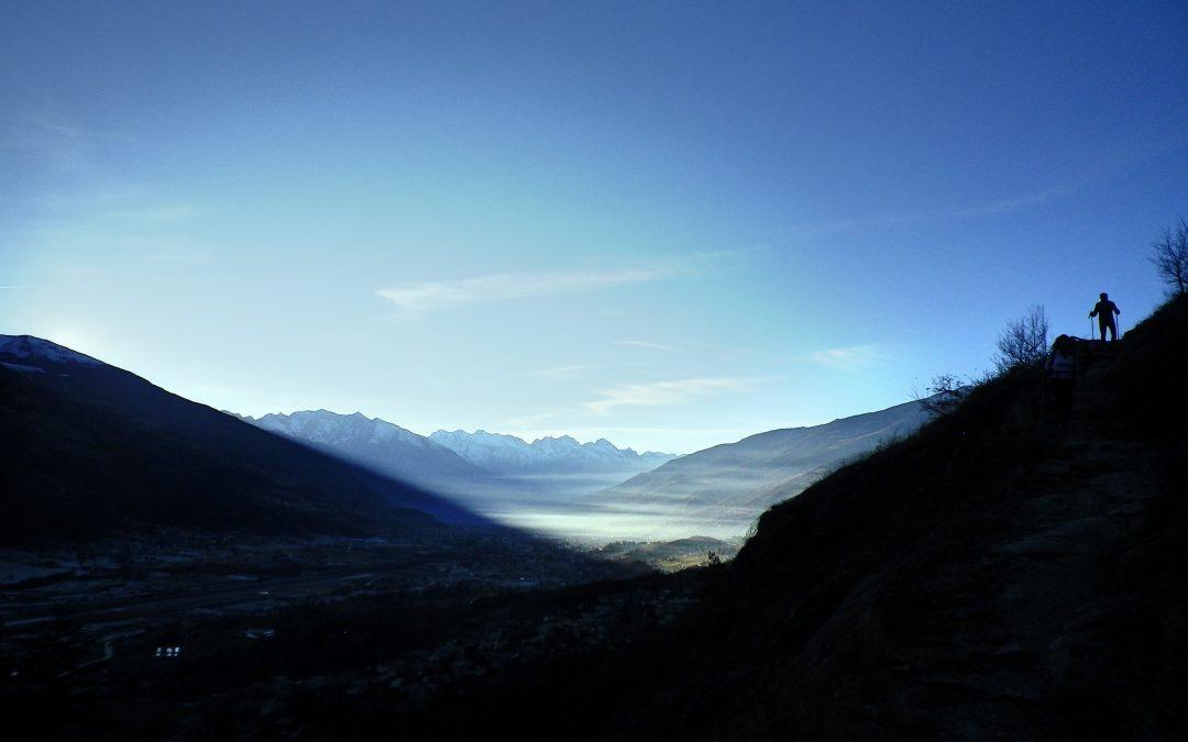 Cala l'ombra sul fondo valle