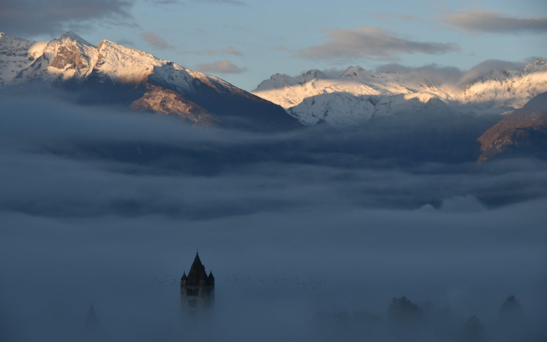 In un mare di nebbia: Aosta ghost town