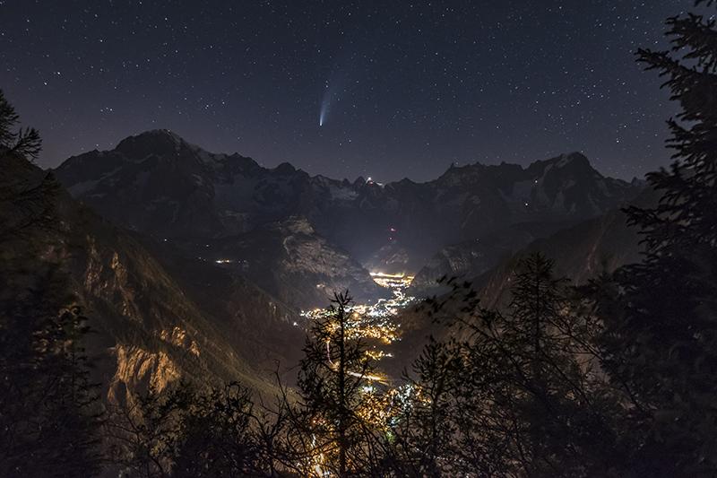 Un magico incontro tra cielo e montagne