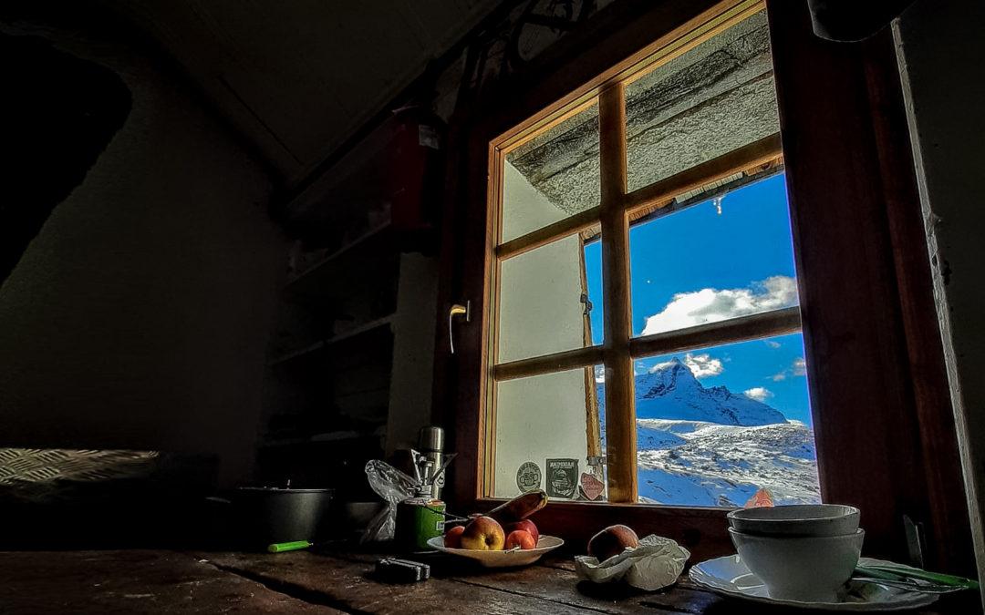 Uno sguardo dalla finestra del rifugio